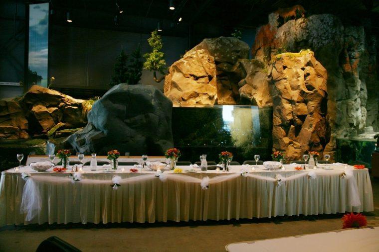 Seated Dinner - Exhibit Floor